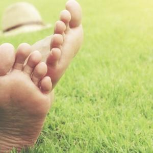 5 trucchi per dare sollievo alle piante dei piedi
